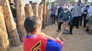 Melihat Alun-Alun Kejaksan dengan Konstruksi Khas Keraton Cirebon
