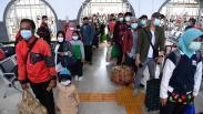 Stasiun Pasar Senen Dipadati Penumpang Kereta Jarak Jauh