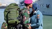 Momen Haru Prajurit Marinir Berpisah dengan Keluarga untuk Bertugas ke Ambalat