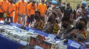 Kaleng Biskuit Berisi 117 Kg Sabu Milik Pengedar Narkoba Jaringan Internasional