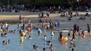 Zona Hijau, Pantai Sanur Bali Dipadati Wisatawan
