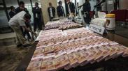 Bareskrim Polri Pamer Tumpukan Uang Palsu Hasil Ungkap Kejahatan