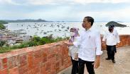 Momen Presiden Jokowi dan Ibu Negara Lihat Keindahan Labuan Bajo dari Puncak Waringin