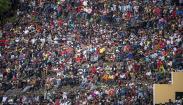 Warga Membeludak, Penonton Final Sepak Bola PON Papua Tumpah Ruah hingga Luar Stadion