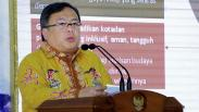 Menteri Bambang Berikan Sertifikat Unesco Global Geopark di Indonesia