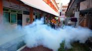 Jelang Kedatangan Jamaah, Asrama Haji Embarkasi Surabaya Di-fogging