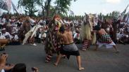 Aksi Seniman Bali Tolak Reklamasi Teluk Benoa