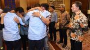 Kemenlu Serahkan WNI Korban Penyanderaan di Filipina kepada Keluarga