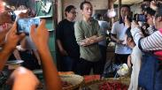 Presiden Jokowi Cek Harga Kebutuhan Pokok di Pasar Cihaurgeulis Bandung