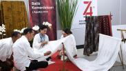 Rangkaian HUT ke-74 RI, Jokowi dan Iriana Ikut Membatik di Stasiun MRT