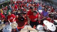 Aksi 74 Drummer Cilik Meriahkan HUT ke-74 RI di Solo