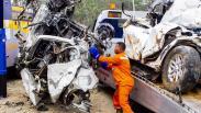 Foto-Foto Kecelakaan Maut di Tol Cipularang KM 92