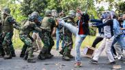 Prajurit TNI AL Simulasi Penanggulangan Huru Hara