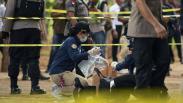 Tim Labfor Mabes Polri Kumpulan Barang Bukti Ledakan di Monas