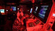 Prajurit TNI AL Ikuti Simulasi Peperangan di KRI Usman Harun-359