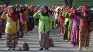 Hari Ibu, 1.200 Perempuan Lampung Pakai Baju Sulam Usus Pecahkan Rekor MURI