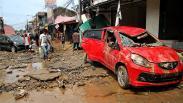 Banjir di Pondok Gede Permai Bekasi Surut, Mobil Bertumpukan dan Jalan Hancur