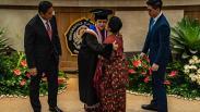 Puan Maharani Terima Gelar Doktor Kehormatan dari Universitas Diponegoro