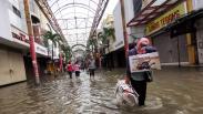 Pertokoan Pasar Baru Terendam Banjir, Aktivitas Ekonomi Lumpuh