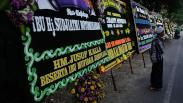 Deretan Karangan Bunga Belasungkawa di Rumah Duka Ibunda Presiden Jokowi
