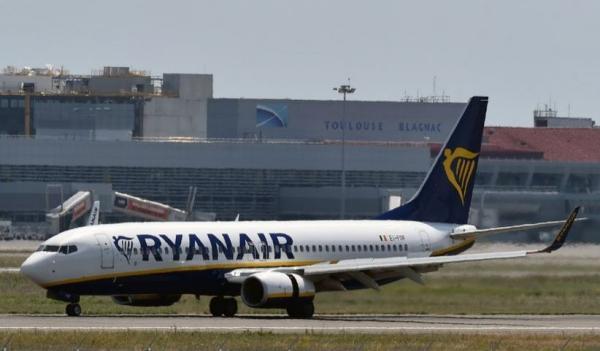 Belarusia Kerahkan Jet Tempur Paksa Pesawat Ryanair Mendarat Hanya untuk Tangkap 1 Penumpang