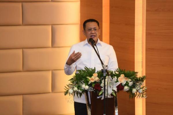 Dua Pantun Ketua DPR di Pembukaan Sidang, dari Pejabat Akur hingga Amandemen UUD
