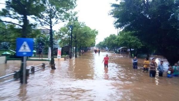 Banjir 1,5 Meter Rendam 9 Kelurahan di Batang, Ribuan Warga Ngungsi