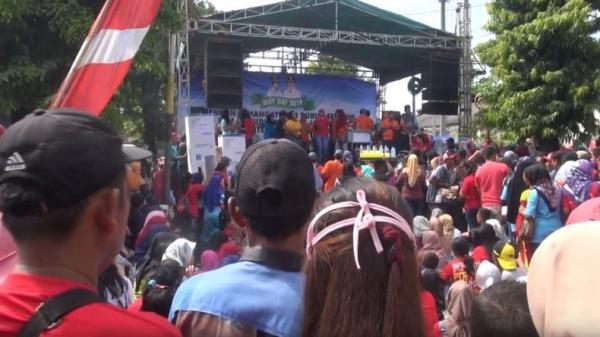 2 Aksi Berbeda Warnai Momentum Peringatan Hari Buruh di Jombang