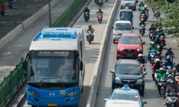 Ini Jam Operasional Transjakarta dan KRL selama Lebaran