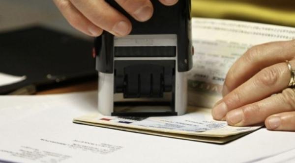 Ribuan Warga Hong Kong Ajukan Visa Tinggal di Inggris