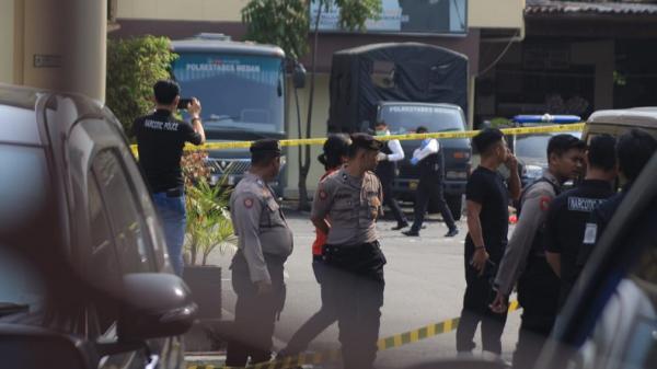 Foto-Foto Suasana Mapolrestabes Medan Pascaledakan Bom Bunuh Diri