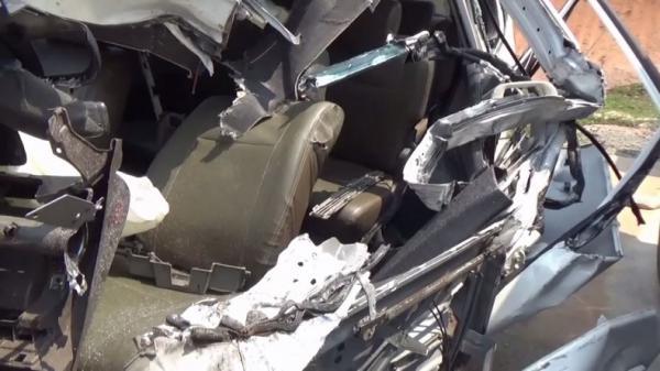 Mobil Jaksa Hancur usai Tabrak Truk di Tol Trans Sumatera Lampung, Pengemudi Selamat