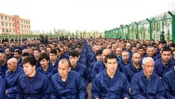 Terungkap! China Cari Muslim Uighur untuk Ditahan Berdasarkan Data Pribadi