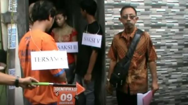 Pelaku Pembunuhan Teman di Sidoarjo Ditangkap dan Jalani Reka Adegan