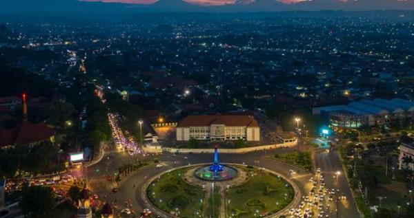 Semarang Akan Tata Kabel yang Semrawut