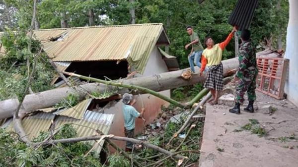 Angin Puting Beliung Terjang Bantaeng, BMKG Keluarkan Status Siaga Waspada