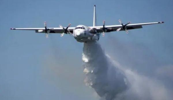 Pesawat Pemadam Kebakaran Australia Hercules C-130 Dipastikan Jatuh, 3 Orang Tewas