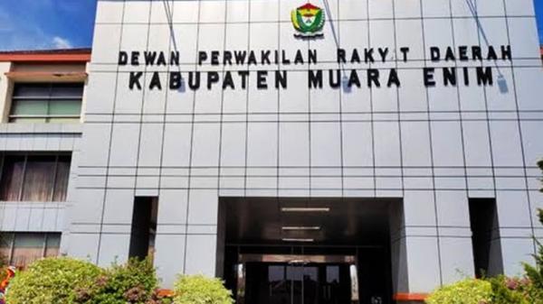 Penyidik Kpk Obok Obok Ruangan Ketua Dprd Dan Bappeda Muara Enim Bagian 1