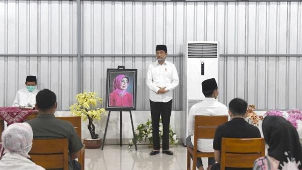 Presiden Jokowi Pulang ke Solo Gelar Tahlilan untuk Ibunda Sudjiatmi
