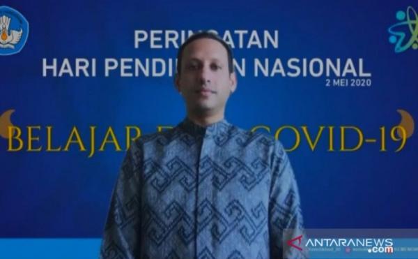 Guru Honorer Bandung Kirim Surat Cinta untuk Nadiem ...