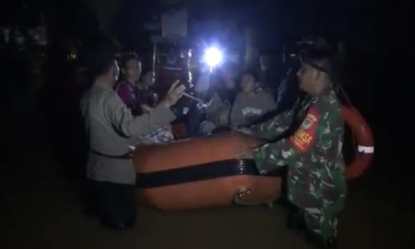 Banjir di Kota Cilegon Belum Surut, Ratusan Warga Dievakuasi