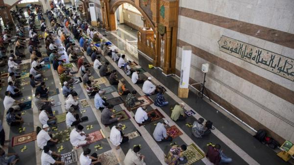 Khutbah Jumat: Mengejar Target Ibadah Sebelum Ramadhan Pergi
