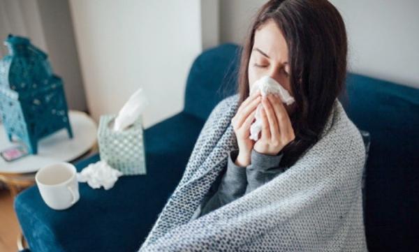 10 Tips Mencegah Pilek dan Flu Secara Alami, Salah Satunya Berhenti Gigit Kuku