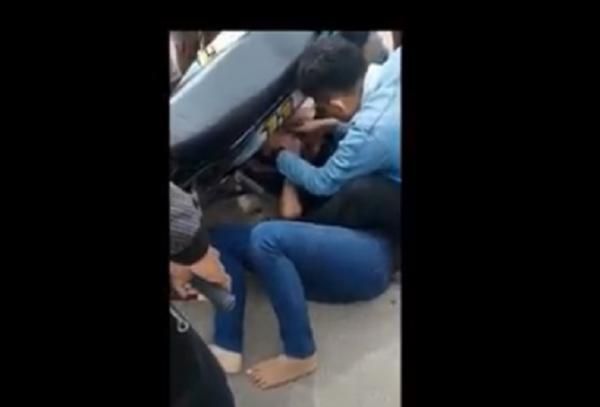Ngeri, Perempuan di Lebak Jatuh dari Motor akibat Gamis Tersangkut Roda