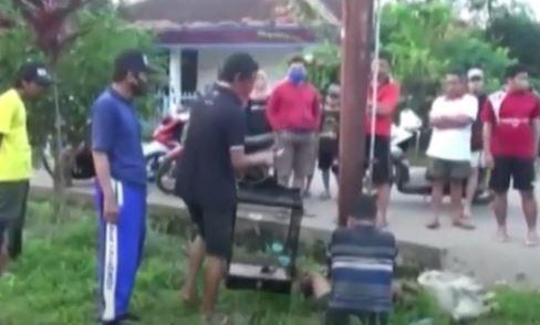 Video Pencuri Burung Ditangkap dan Diikat Warga Palembang di Tiang Listrik
