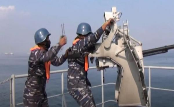 Video 2.000 Personel TNI AL Gelar Latihan Perang di Selat Sunda