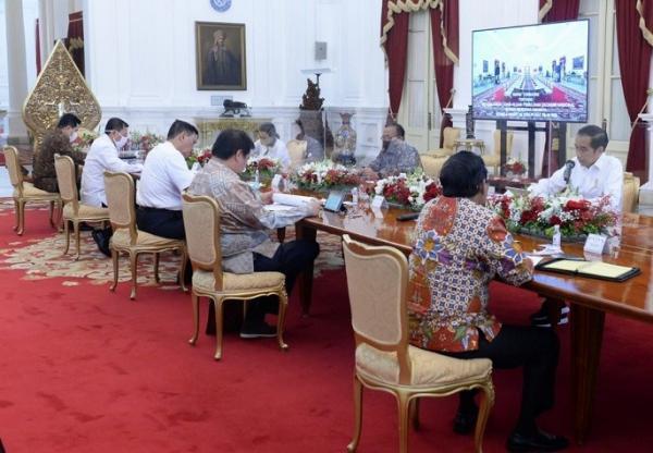Jokowi dan Menteri Tak Pakai Masker saat Ratas Covid-19 Senin, Ini Kata Istana