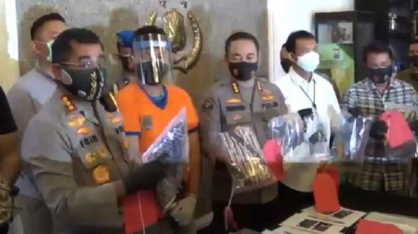 Korban Gilang Bungkus 'Fetish Kain Jarik' Sudah 25 Orang, Rata-Rata Junior di Unair