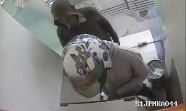 Perusak 14 ATM di Pontianak Terungkap, 2 Pelaku Ditangkap saat Beraksi