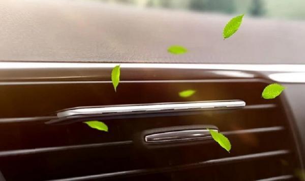 Jangan Pasang Pengharum Cair dalam Mobil, Bisa Bikin AC Cepat Rusak